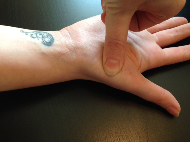 5 Major Hand Acupressure Points You Can Easily Find | New ...