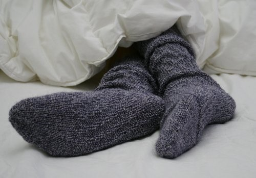 sleeping with socks on health benefits 5 sleeping tips new health advisor. Black Bedroom Furniture Sets. Home Design Ideas