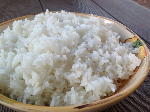 how to use cutlery to eat rice