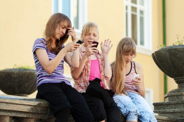 Learn The 12 Ways To Stop Using Your Phone So Much New