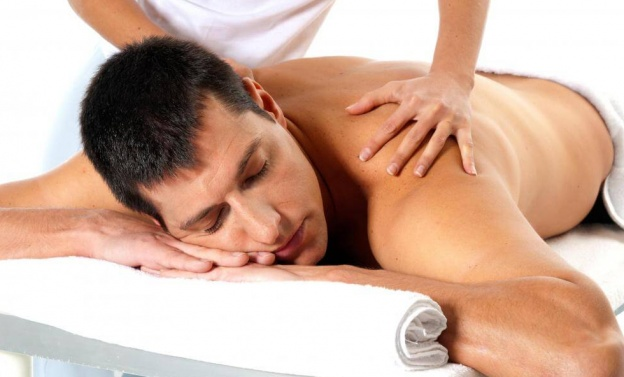 Six Feet Under Massage: 10 Best Home Treatments To Relieve Back Pain