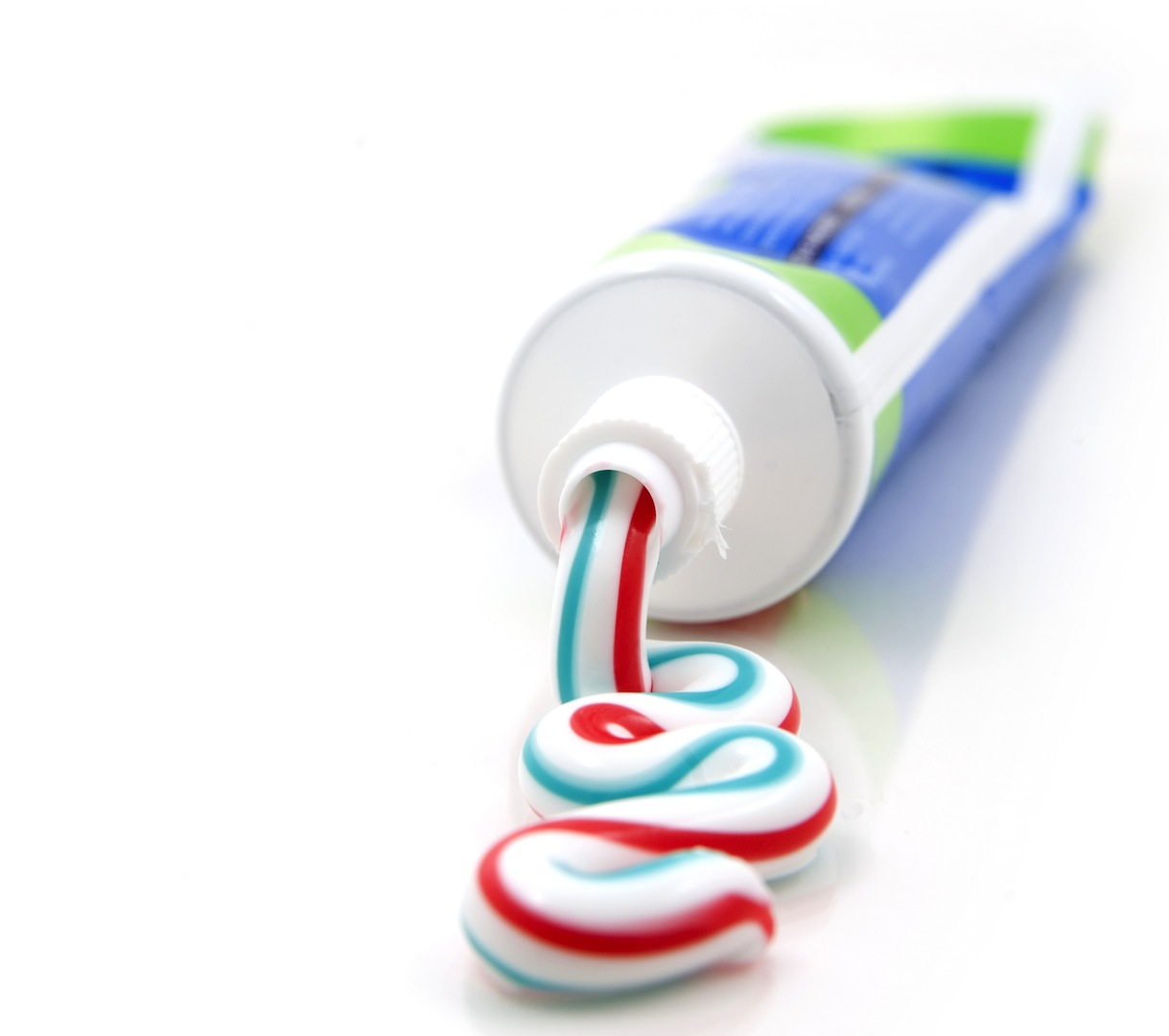 can toothpaste remove acne